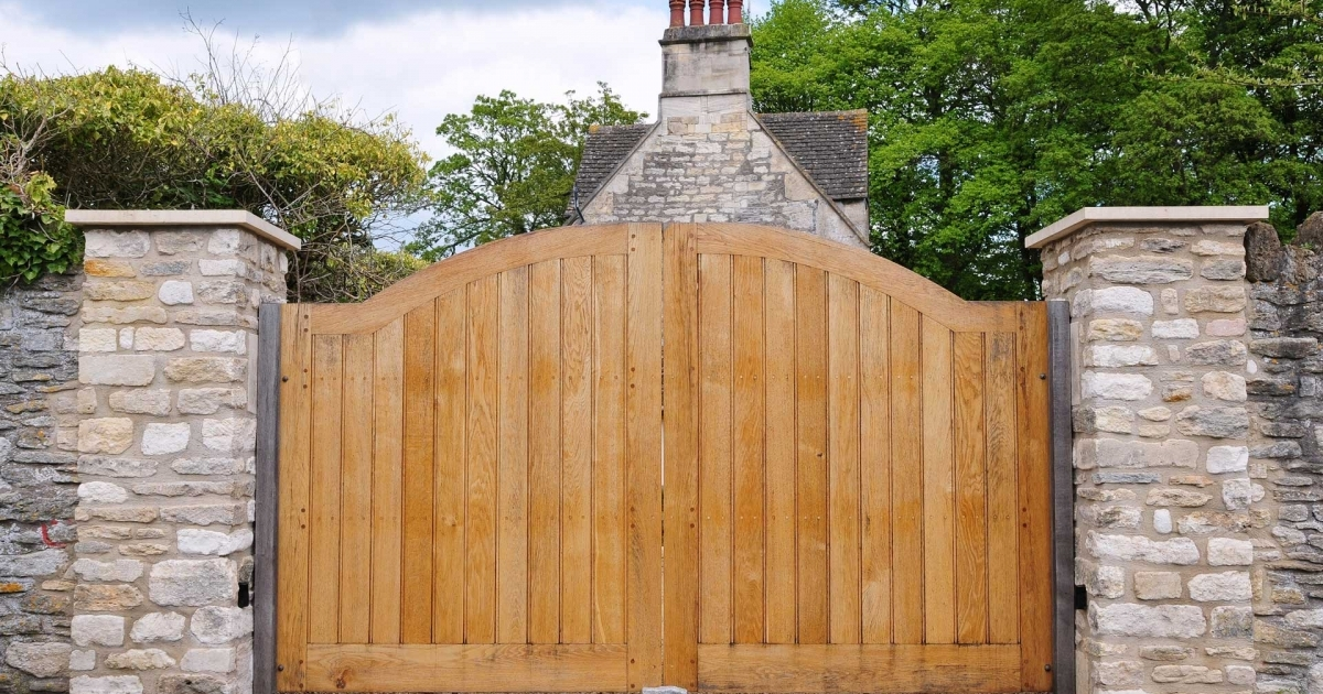 Home Design Gate Ideas: Designing Houses With Adequate Parking